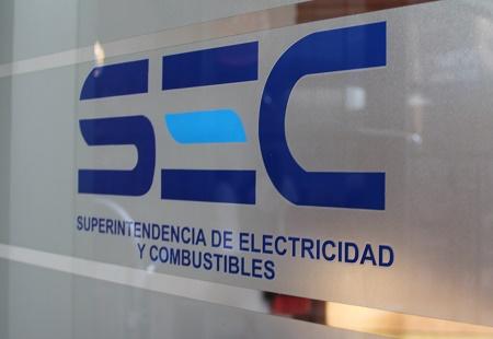 SEC instruye a eléctricas devolver lo cobrado en  última alza tras congelamiento de tarifas de la luz