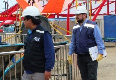 SEC Coquimbo fiscaliza que conexiones eléctricas en ferias y parques de entretenciones en la región sean seguras